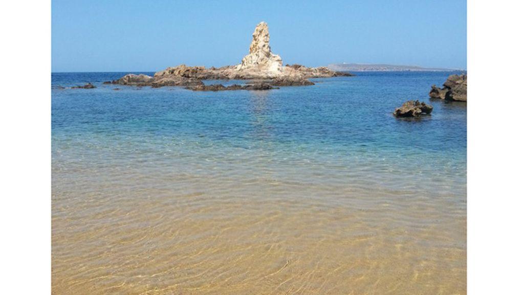 Dolores Navarro González: Cala Pregonda, en Menorca (Baleares).