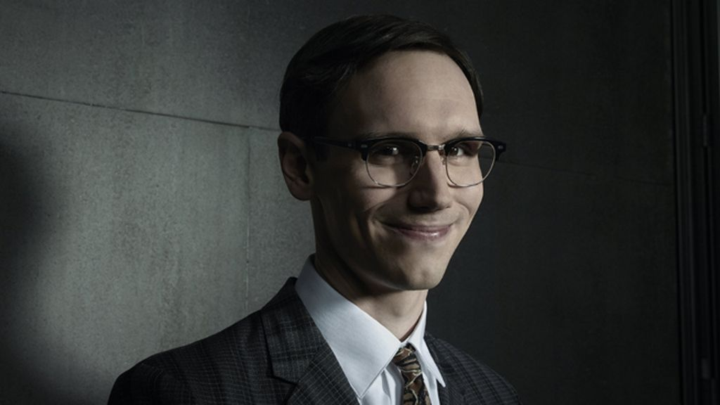 Cory Michael Smith es Edward Nygma (El Acertijo)