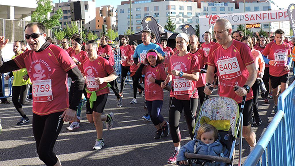 2.500 corredores se visten de rosa para apoyar la investigación