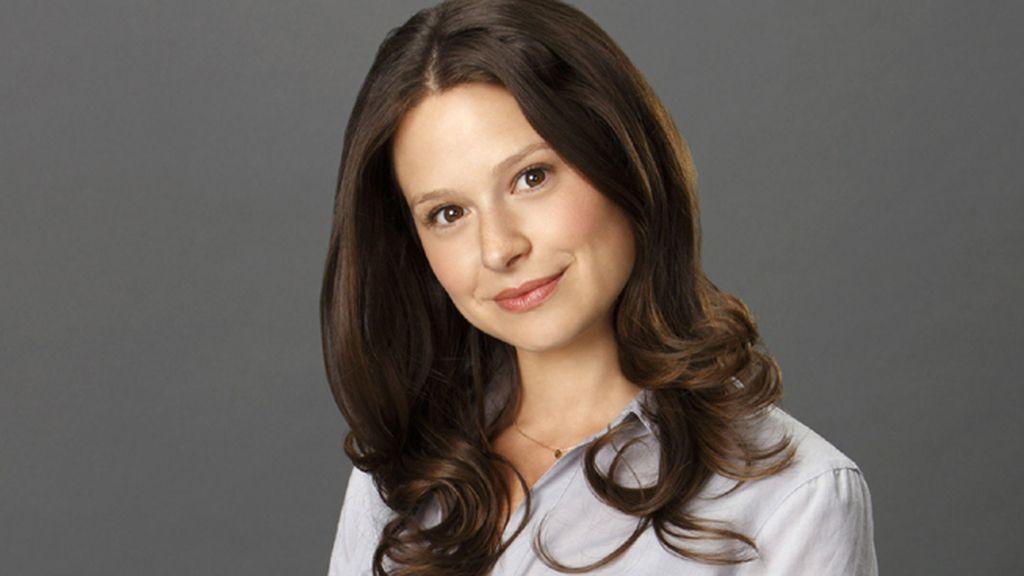 Katie Lowes es Quinn Perkins