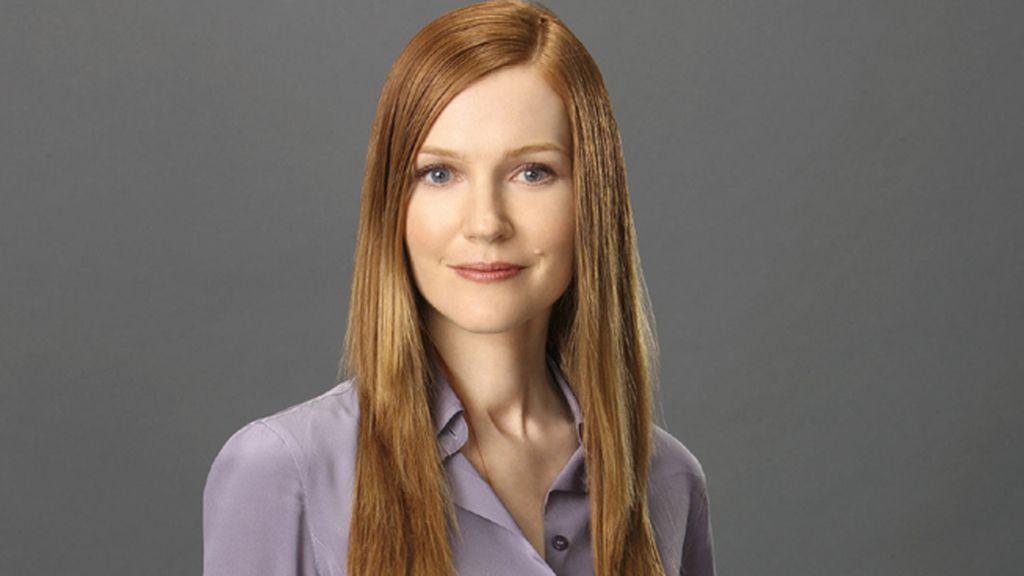 Darby Stanchfield es Abby Whelan