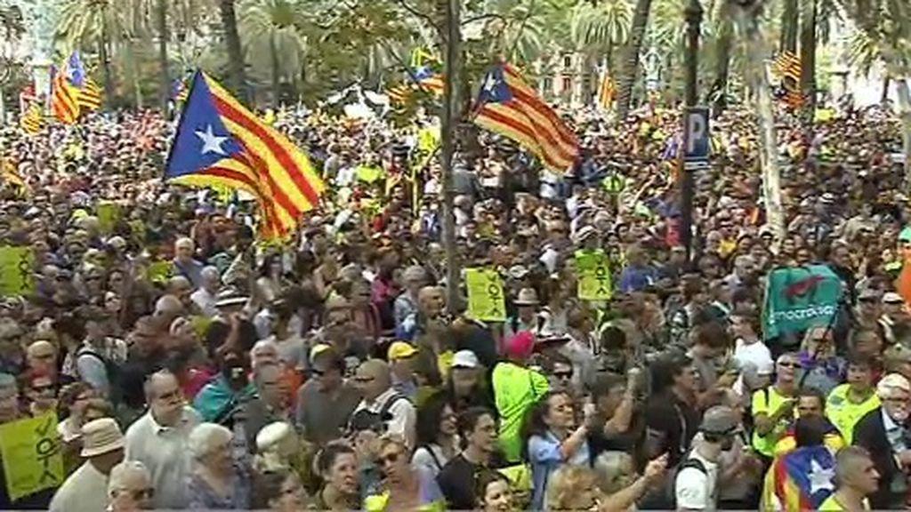 ¡Votaremos!: el lema de las manifestaciones que inundan Cataluña en apoyo del referéndum
