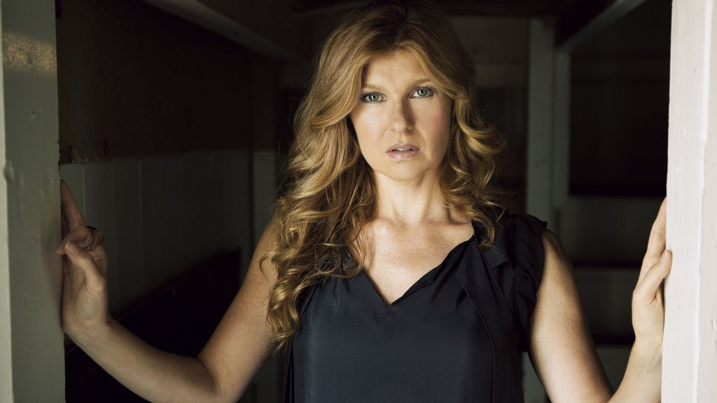 Connie Britton es Vivien