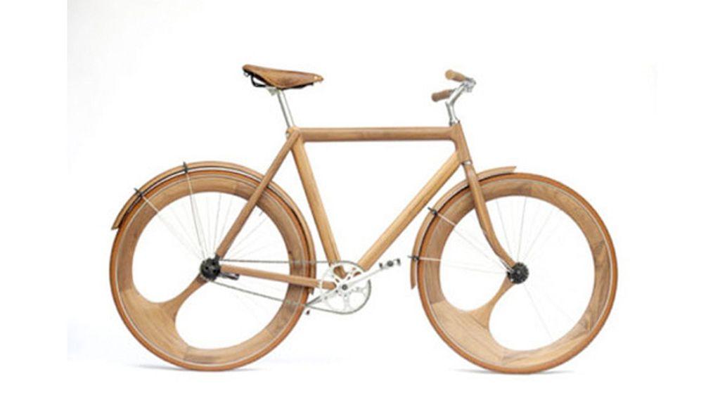 Una bicicleta de madera, también para adultos