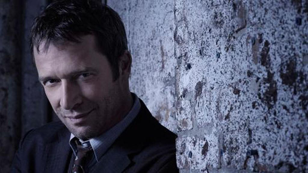 Y James Purefoy es Joe Carroll
