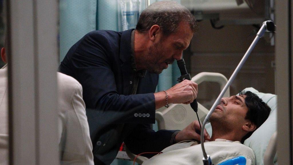 Hugh Laurie se quita la bata el 21 de mayo