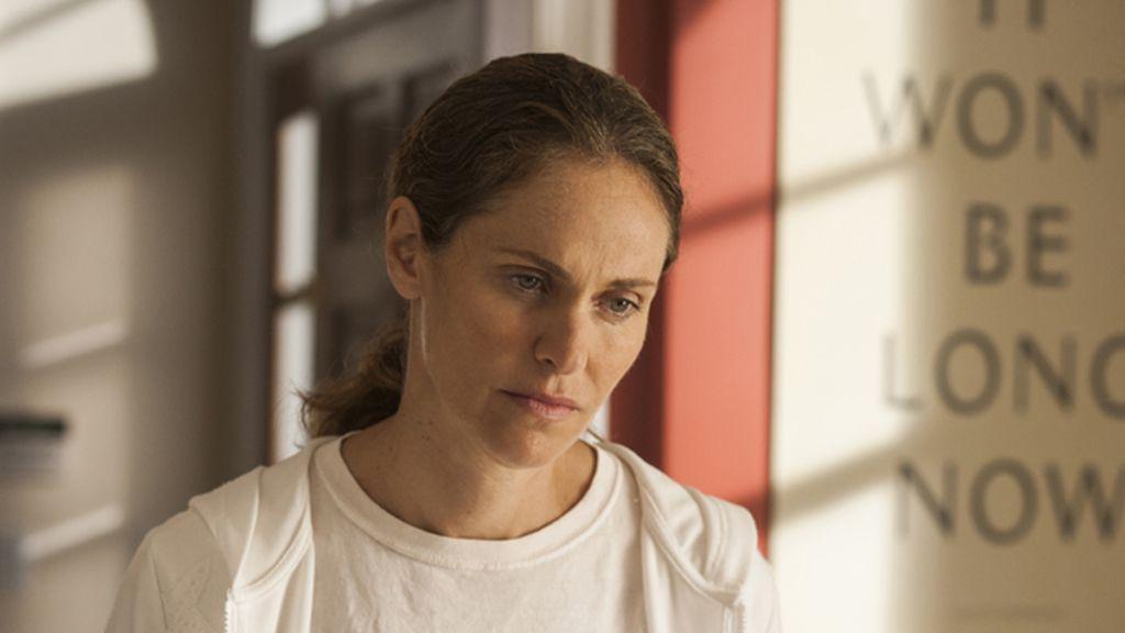 Amy Brenneman es Laurie Garvey