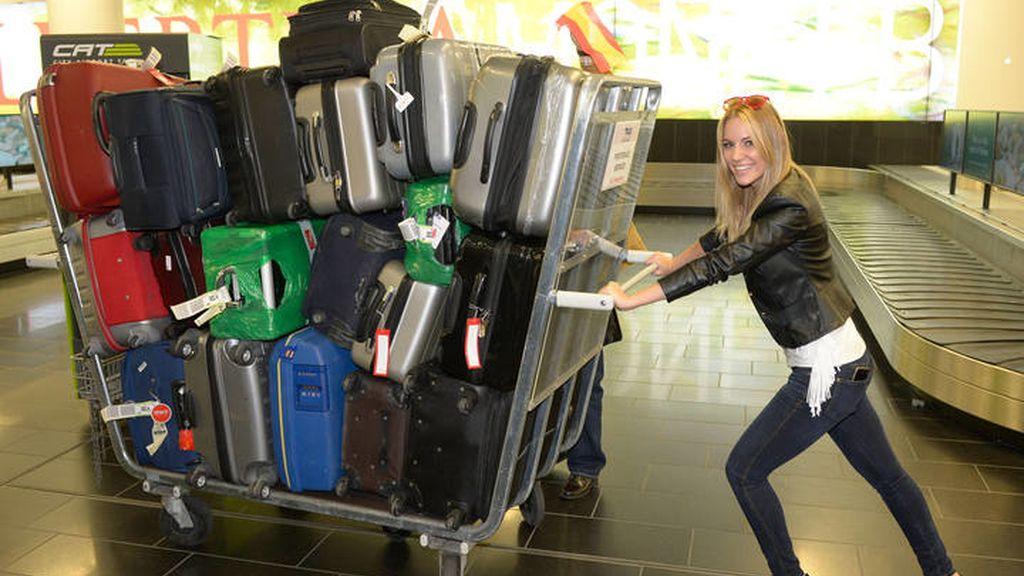 Cargada de maletas para galas, paseos, encuentros con los fans...
