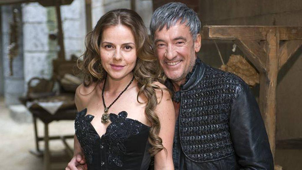 Loles León y Carlos Areces, madre e hijo en la ficción de Globomedia