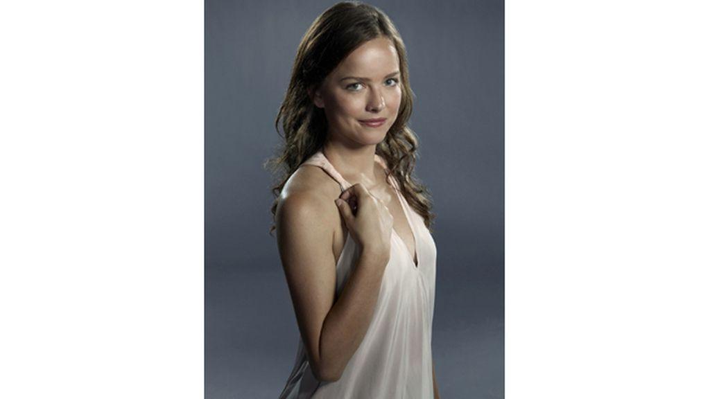 Allison Miller es Skye