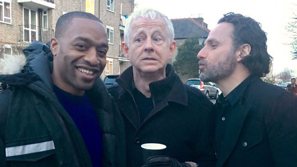 Chiwetel Ejiofor (Peter), Richard Curtis y Andrew Lincoln (Mark)