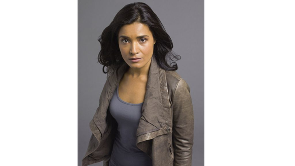 Shelley Conn es Elisabeth Shannon