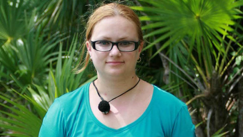 Raquel Bordes. Reponedora de supermercado de Valencia, 25 años
