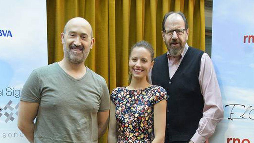 Javier Cámara (Sancho Panza) con Michelle Jenner (Dorotea) y José María Pou (Don Quijote)