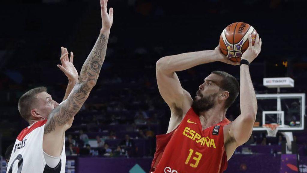 Marc Gasol lanza a canasta durante el partido de cuartos del Eurobasket 2017 ante Alemania