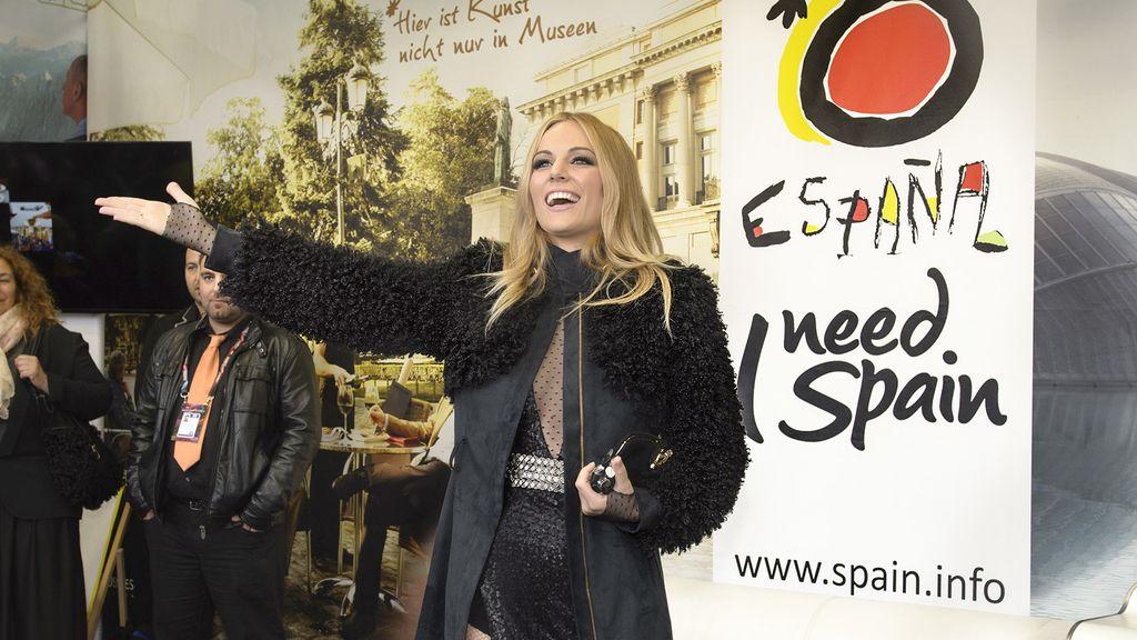 Concierto Big Five Party, en el Eurovision Village situado en el Ayuntamiento de Viena, bajo la lluvia