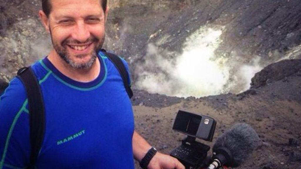 """""""@emiliovaldes_ ¡Está claro que en el programa el que realmente se lo curra es el cámara! ;)"""""""
