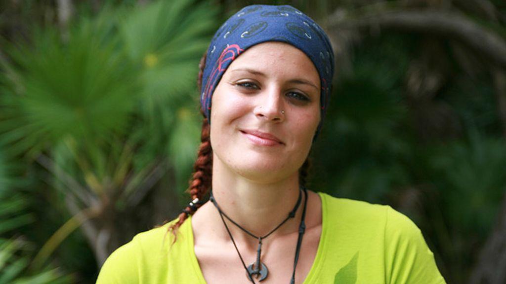 Beatriz Gómez. Camarera en un bar 'heavy' de Madrid, 25 años