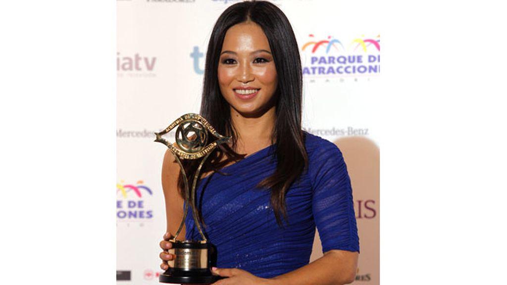 Usun Yoon recogió el premio de Wyoming como mejor presentador de programas y de 'El intermedio' (La Sexta) como mejor programa de entretenimiento