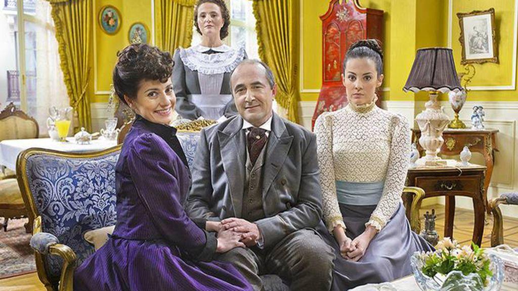 Trini (Anita del Rey), Ramón (Juanma Navas) y María Luisa (Cristina Abad), los Palacios