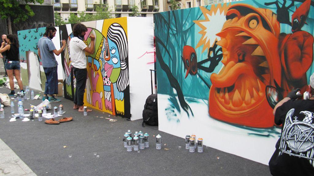 Tres de los murales con distintas causas