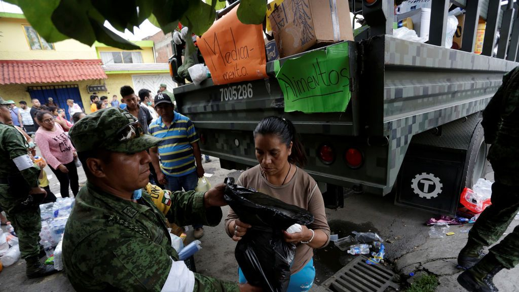 Avalancha de ayuda a los afectados por el terremoto en México