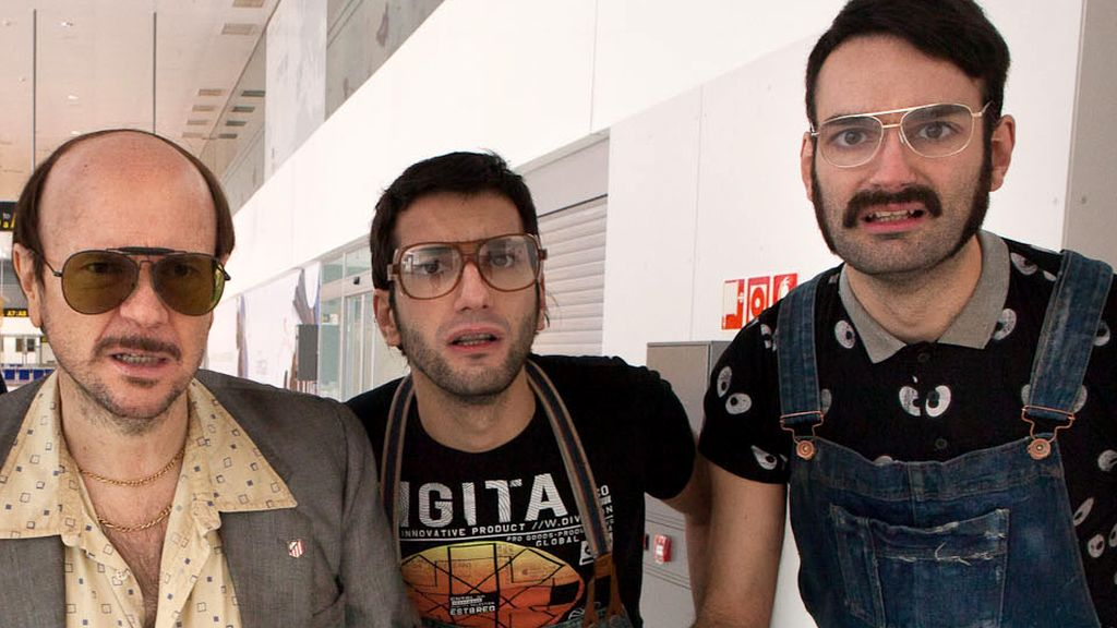Santiago Segura con Bigotes y Dientes en Cámbiame