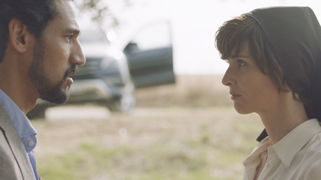 Stany Coppet (Bruno Lachambre) y Paz Vega (sor Lucía) protagonizan 'Perdóname, Señor'