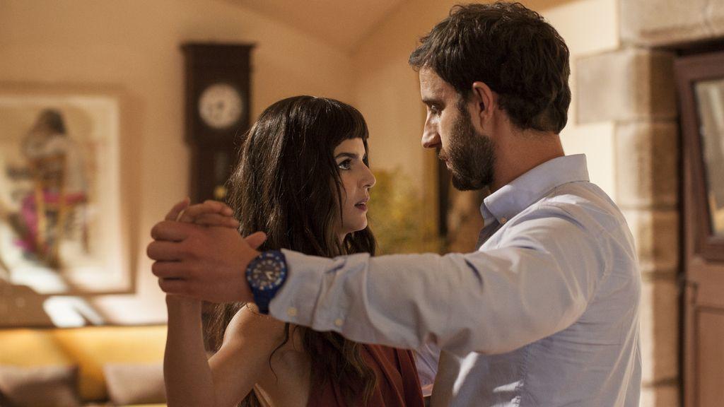 Clara Lago y Dani Rovira, protagonistas de 'Ocho apellidos catalanes'.