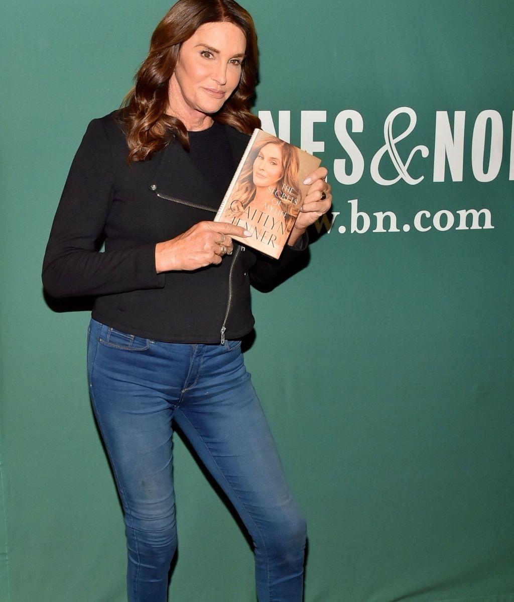 Caitlyn Jenner en la firma de sus memorias 'The secrets of my life'