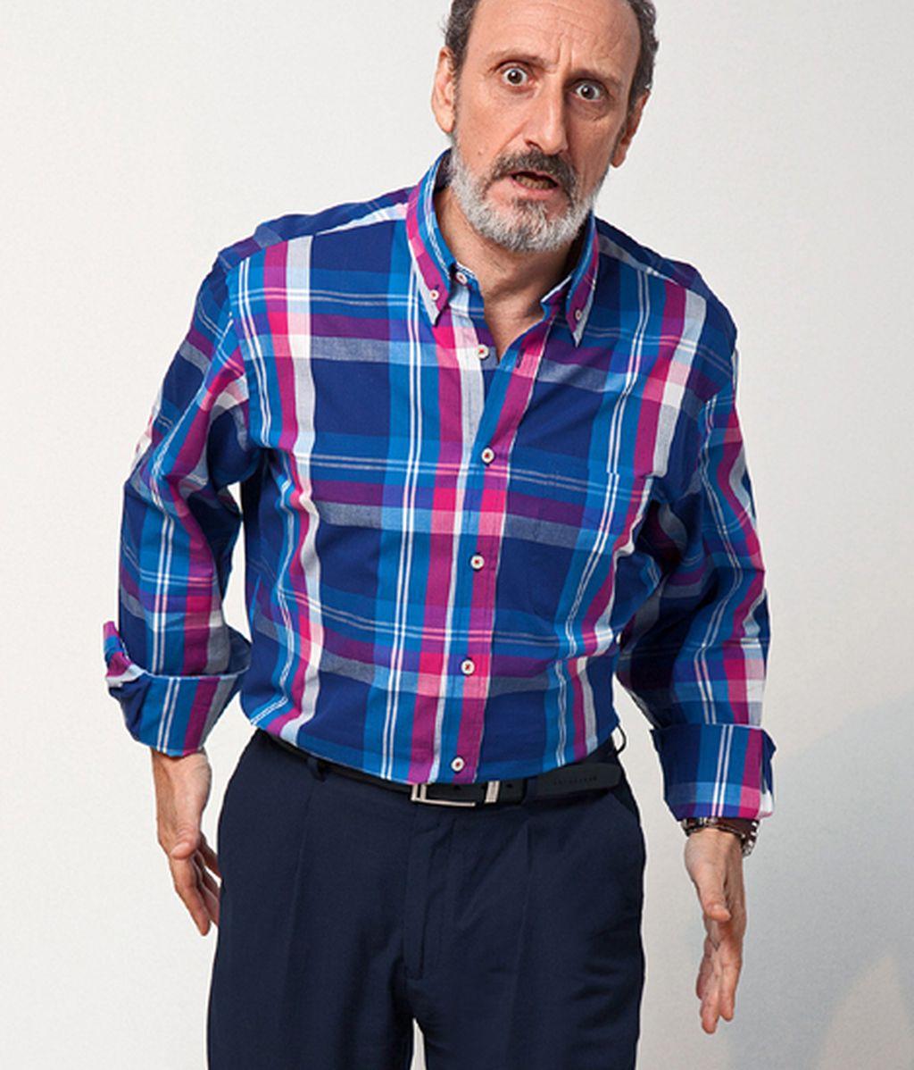 Enrique (José Luis Gil) aprende a vivir solo