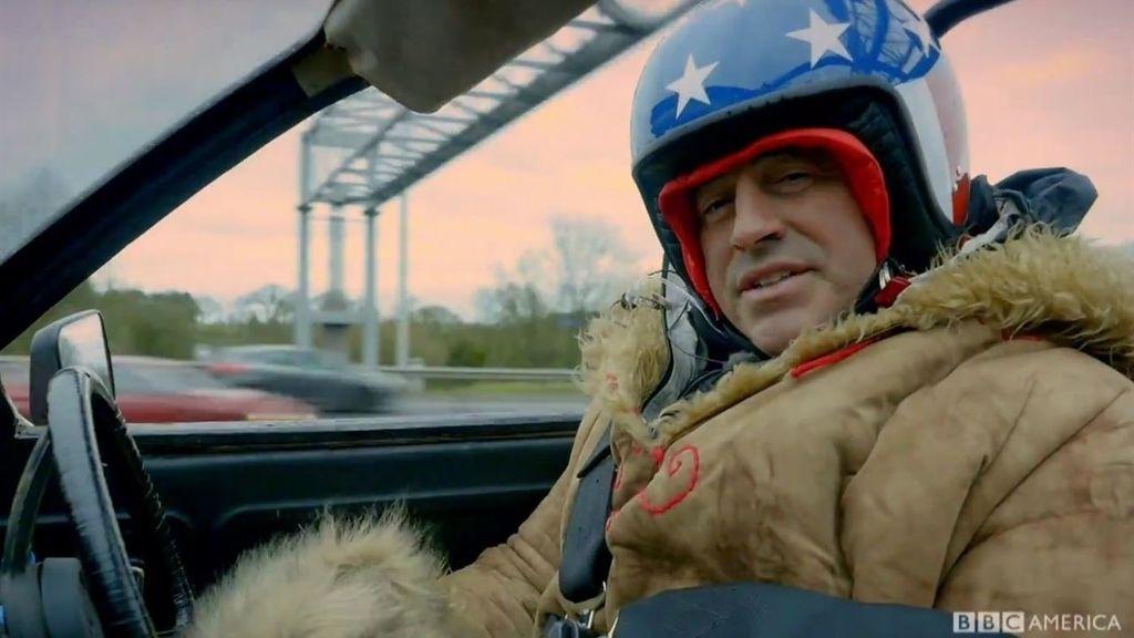 Matt LeBlanc se pone al volante de un Aston Martin en 'Top gear'