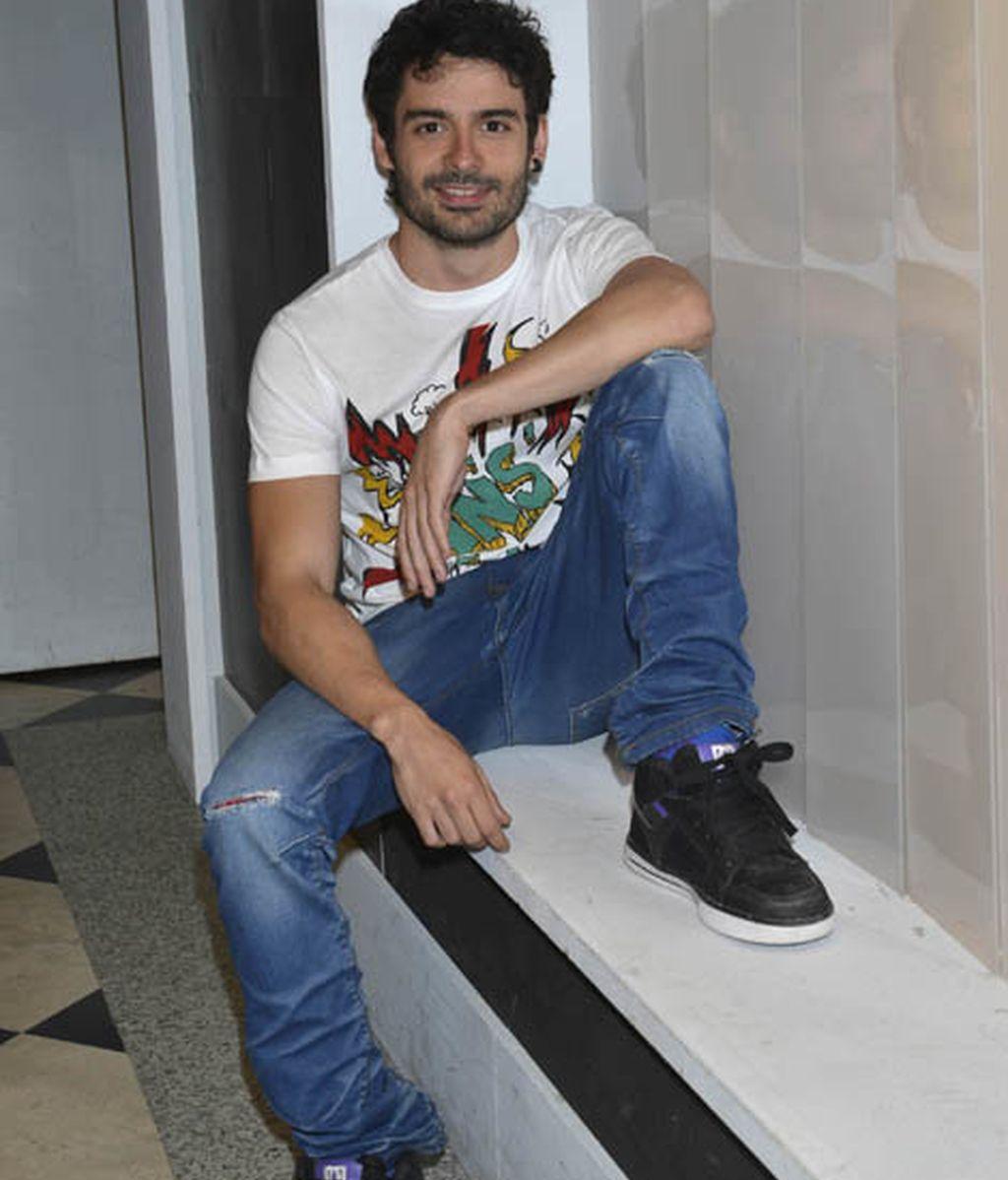 Nico Romero es Simón Lozano
