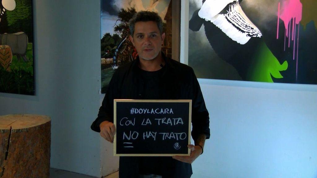 """Alejandro Sanz: """"El comercio ilegal de personas es un delito global"""""""