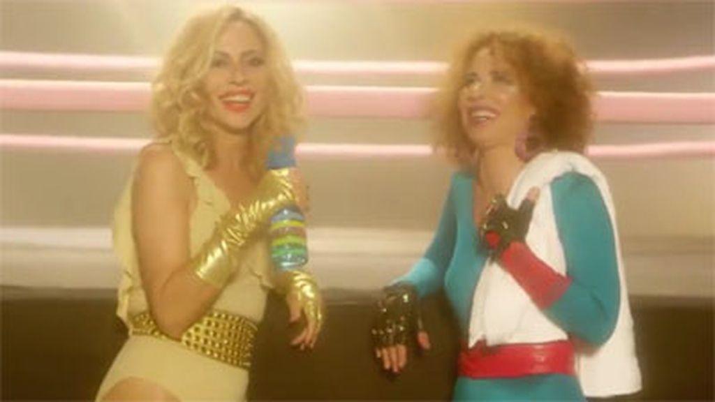 Marta Sánchez y Vicky Larraz promocionan la serie de Netflix 'Glow'