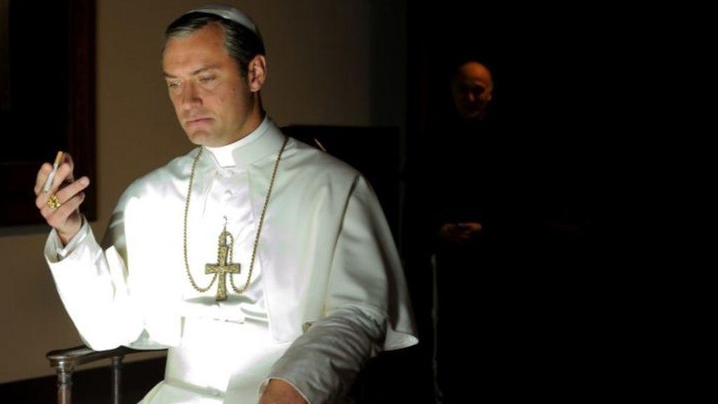"""'The young Pope' se propone """"la revolución"""" del mundo"""