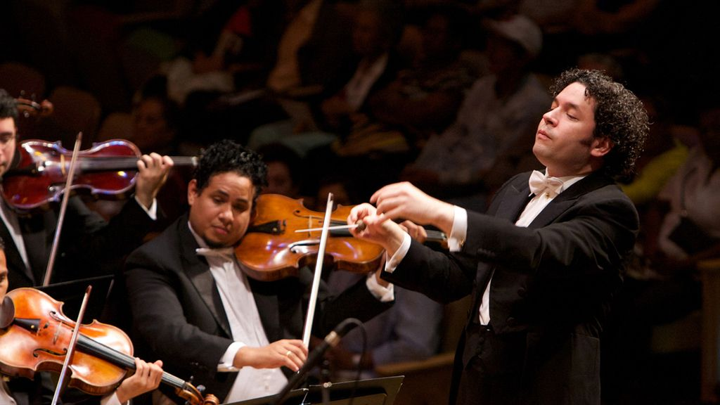 Gustavo Dudamel dirige a la Orquesta Filarmónica de Viena en el Concierto de Año Nuevo 2017