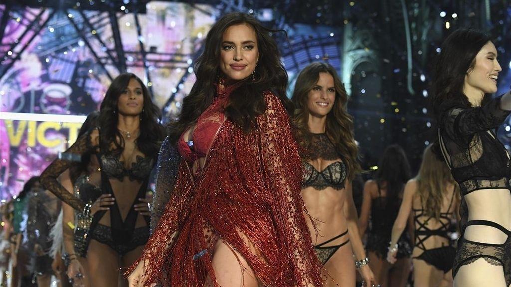 Desfile de moda en París 2016 - Victoria's Secret