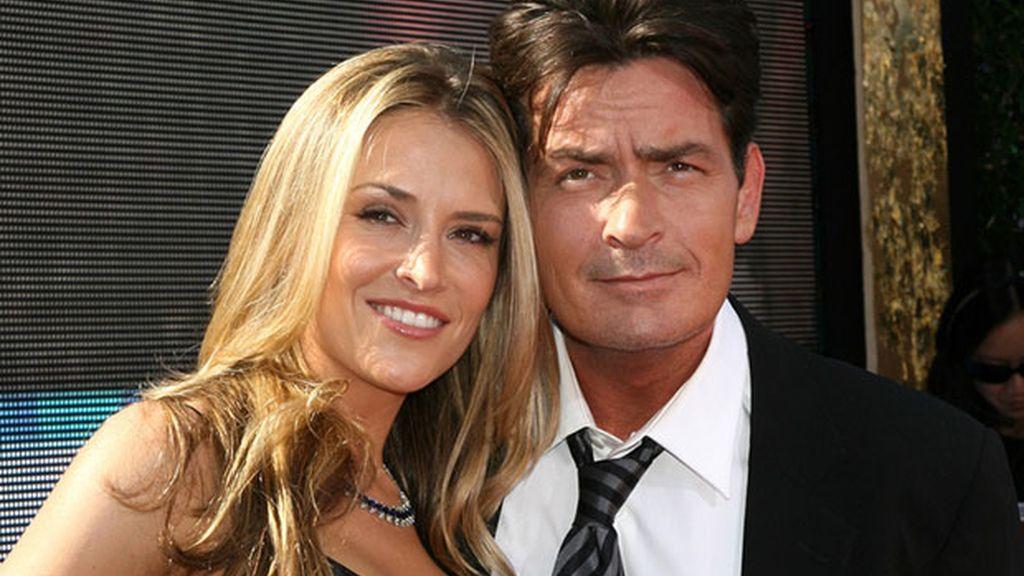 Charlie Sheen y Brooke Mueller