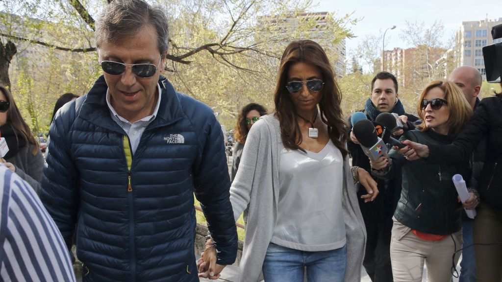 Paco González y su mujer