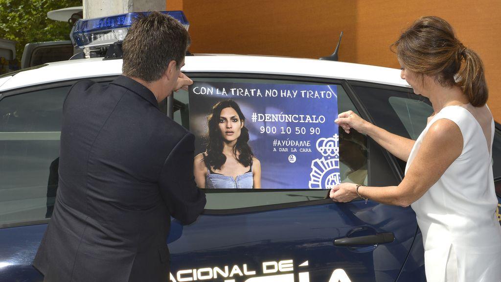 Alejandro Sanz, Álex González y Sara Carbonero denuncian el tráfico de personas