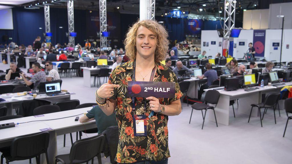 Manel Navarro en su segundo ensayo para el festival de Eurovisión en Kiev