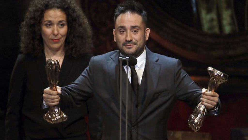 Juan Antonio Bayona recoge su galardón en los Premios Gaudí