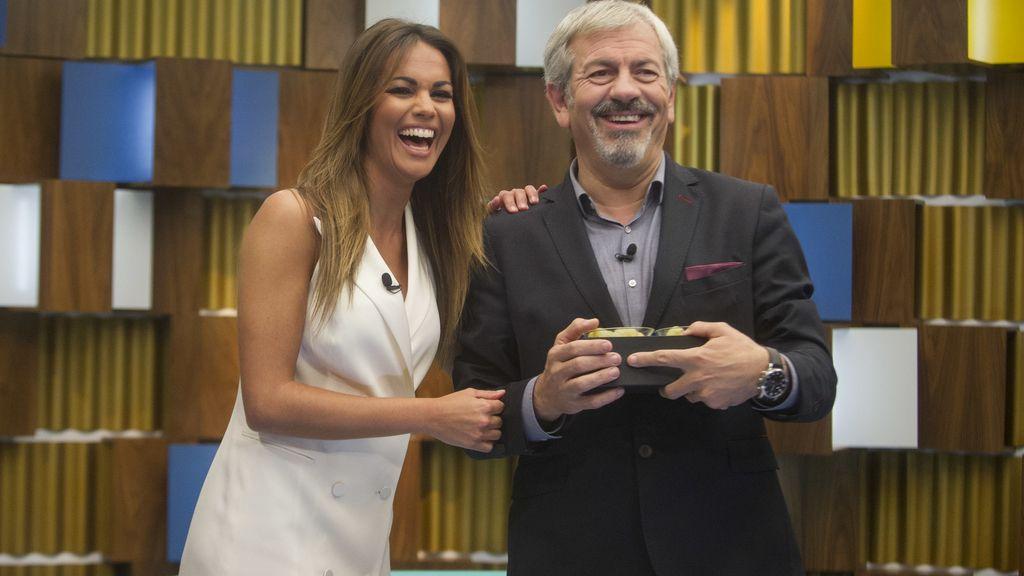 Carlos Sobera y Lara Álvarez