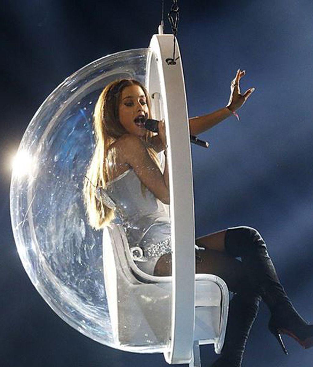 Ariana Grande, mejor canción ('Problem') y mejor artista femenina