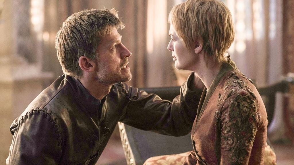 Nikolaj Coster-Waldau (Jaime Lannister) y Lena Headey (Cersei Lannister) en 'Juego de tronos'