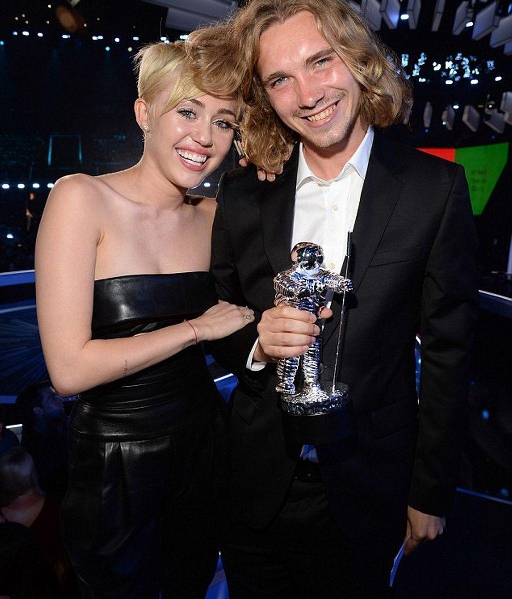 Jesse Helt y Miley Cyrus