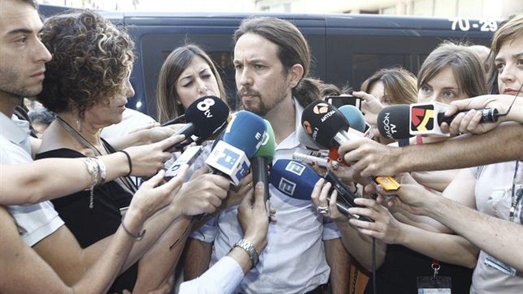 Pablo Iglesias micrófonos
