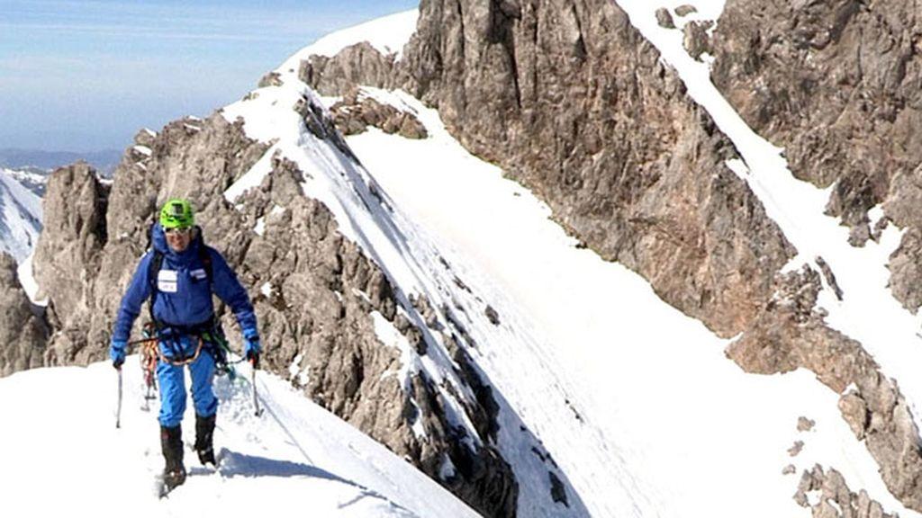 Jesús Calleja pasa miedo escalando Peña Ubiña en pleno invierno