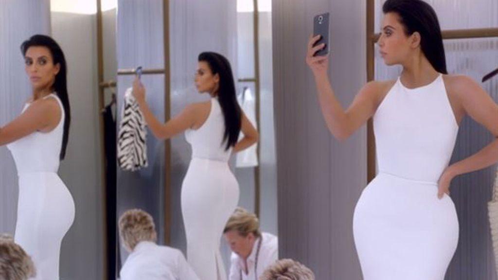Kim Kardashian se autoparodia para la Super Bowl